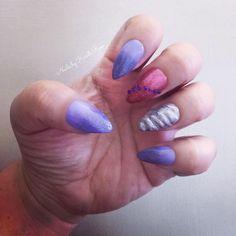 Unicorn Nails with #gelmoment: Madam Elle, Heartbreak Pink, Chandelier, Smoky Sky plus mini jewels.