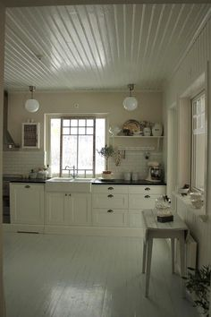 vintage kitchen love this so bright and clean...the feeling is amazing