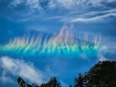 Solar Logo, Cirrus Cloud, Astronomy Pictures, Fire Rainbow, What The World, Science And Nature, West Virginia, Mother Earth, That Way