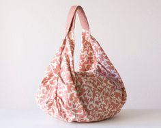 A pretty carryall that you can customize. #EtsyCustom #EtsyGreece