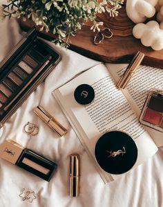 Flat Lay Photography, Makeup Photography, Photography Editing, Product Photography, Makeup Set, Makeup Inspo, Makeup Ideas, Basic Makeup, Makeup Basics