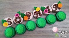 Moana inspired chocolate covered oreos decorated with Satin Ice Satin Ice Fondant, Fondant Icing, Chocolate Glaze, Chocolate Covered Oreos, Moana Cookies, Moana Birthday, Oreo Pops, Modeling Chocolate, Cake Decorating Tools