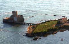 Torre Astura (Nettuno, RM), a castle on the sea.