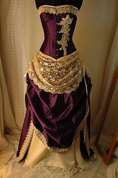Juliet – Cadbury Purple and Ivory Bridal Gown with steel boned corset – Mode für Frauen Vintage Gowns, Vintage Outfits, Vintage Corset, Beautiful Gowns, Beautiful Outfits, Beautiful Things, Purple Wedding Gown, Cream Wedding, Ivory Wedding