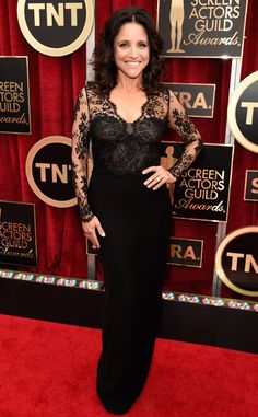 Pin for Later: The Fashion Choices at the SAG Awards Deserve 5 Stars Julia Louis-Dreyfus We loved the delicate lace sleeves on Julia's Monique Lhuillier column gown.