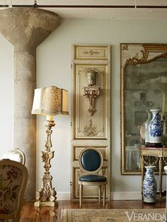 Designer Michelle Nussbaumer - Decorating Tips and Ideas Beautiful Living Rooms, Beautiful Interiors, French Interiors, Antique Floor Lamps, Stair Gallery, Large Scale Art, Living In Europe, European Home Decor, Best Kitchen Designs