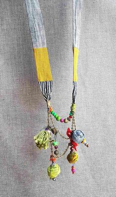 Unique handmade, colorful fabric necklace gives your . - jewelry design - Unique handmade, colorful fabric necklace gives your … - Jewelry Crafts, Jewelry Art, Handmade Jewelry, Jewelry Design, Glass Jewelry, Fashion Jewelry, Handmade Items, Fabric Necklace, Diy Necklace