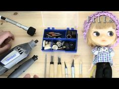 Blythe Eyelash and Eyechip Removal - a beginners 'how to' guide by missfreyaj… Doll Repaint Tutorial, Doll Makeup, Little Doll, Diy Clay, Custom Dolls, Diy Doll, Amigurumi Doll, Doll Face, Master Class