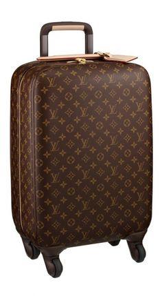 Louis Vuitton Zéphyr, Un toque de elegancia, para el Viajero. http://angelguardiandelamoda.blogspot.mx/2013/04/louis-vuitton-zephyr-un-toque-de.html