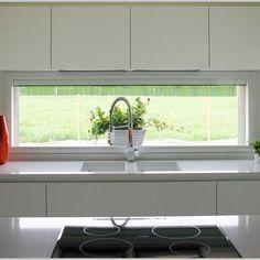 + 45 A Collection of Kitchen Window Ideas - nyamanhome Kitchen Room Design, Kitchen Sets, Modern Kitchen Design, Home Decor Kitchen, Interior Design Kitchen, Home Kitchens, Modern Kitchen Cabinets, Home Decor Hacks, Cuisines Design