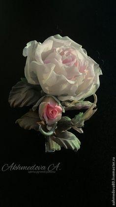 """Заколка для волос цветок """" Любовь"""". Крепится на булавку, но возможно другое , удобное для вас крепление. #handmade #handmade_accessories #accessories #ручная_работа #цветы_из_шелка #брошь #цветы #украшения #розы #цветы_из_ткани #цветы_на_заказ #цветы_ручной_работы #flower_khv #akhmedova_a #silk_flowers #хабаровск."""