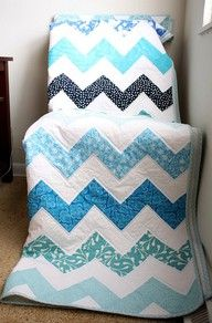 Quilt... I LOVE BLUE and white!  and this is so simple and clean looking. (There's no link to a pattern, but I'm pinning to remember the material used)