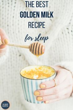 Natural Sleep Remedy Golden milk is a natural, easy and tasty sleep aid with a myriad of other health benefits. Find out how it helps sleep and how to make it with our simple golden milk recipe. Ayurveda, Smoothies, Smoothie Recipes, Keto Desserts, Turmeric Tea, Turmeric Milk Benefits, Milk With Turmeric, Golden Tumeric Milk, Food For Sleep