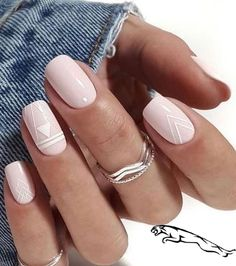 Nails in white gel: A range of ideas to adopt a very chic nail art - Women Style Tips. art designs classy Nails in white gel: A range of ideas to adopt a very chic nail art - Women Style Tips Chic Nail Art, Classy Nail Art, Chic Nails, Trendy Nails, Square Nail Designs, White Nail Designs, Nail Art Designs, White Nails With Design, Short Nail Designs