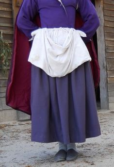 How to Wear Historically Accurate Colonial Women's Clothing