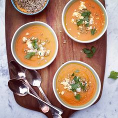 Spice it up! Carrot Soup with Apple and Fresh Ginger|kitchen table food