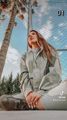 Teen Photography Poses, Photography Editing, Creative Photography, Girl Photo Shoots, Girl Photo Poses, Best Photo Poses, Creative Instagram Photo Ideas, Cute Poses For Pictures, Instagram Pose