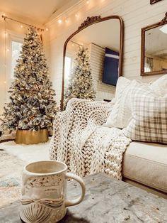 Southern Christmas, Merry Little Christmas, Cozy Christmas, All Things Christmas, Christmas Holidays, Christmas Decorations, Christmas Ideas, Photo Deco, Seasonal Decor