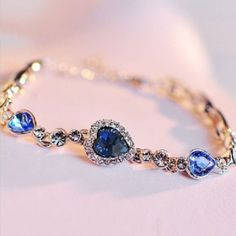 Exquisite Blue Color Heart Shaped Women's Crystal Bracelet With Gold Plated