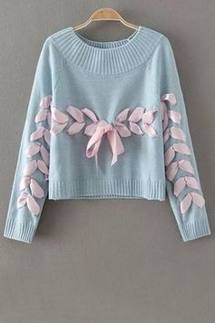 Wonderful Ribbon Sweater Idea for refashion Source by reimaginefashion ideas Diy Fashion, Fashion Dresses, Womens Fashion, Fashion Design, Fashion Clothes, Trendy Fashion, Trendy Style, Diy Vetement, Cool Sweaters