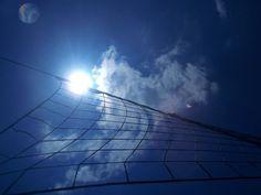 """Nos dias 21 e 22 de setembro, a Virada Esportiva chega à sétima edição levando esporte e diversão para toda cidade. Skate, mergulho, judô, futsal e tênis são algumas das dezenas de atrações que vão movimentar Paraisópolis e Heliópolis, consideradas as duas maiores favelas da América Latina , onde vivem mais de 250 mil habitantes....<br /><a class=""""more-link""""…"""