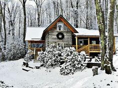 A beautiful Winter cabin Winter Cabin, Cozy Cabin, Snow Cabin, Cozy Winter, Winter White, Cabana, Cabin In The Woods, Snowy Woods, Log Cabin Homes