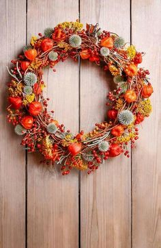 Věnec - podzim - Fotos da Linha do Tempo Autum Flowers, Dried Flowers, Autumn Wreaths, Holiday Wreaths, Wreath Fall, New Year Photography, Seasonal Decor, Fall Decor, Thanksgiving Flowers