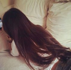 Geez!! Her hair is perfect