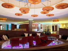 Hotel - Crowne Plaza Johannesburg - The Rosebank - The sunken lounge situated in the middle of our lobby is perfect for a meeting or a place to relax and get some work done. The area has played host to numerous chef's tables for our corporate clientele.