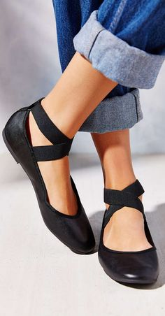 LOVE these ballet style slippers. So cute with jeans.