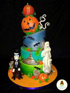 halloween wedding cakes | Halloween Wedding Cake Halloween Wedding Cakes, Halloween Cakes, Scary Cakes, Centerpieces, Table Decorations, Cupcake Cookies, Cupcakes, Birthday Cake, Sweets