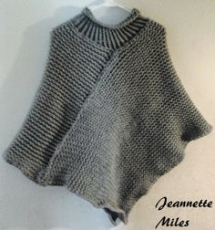The Knifty Knitter: Poncho with Collar