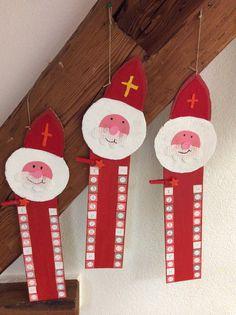 bonne idée Ramadan Decoration, Winter Crafts For Kids, Saint Nicholas, Classroom Crafts, Xmas Crafts, Kindergarten, Saints, Art Gallery, Holiday Decor