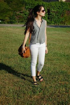 crop top, white pants, michael kors watch, spring outfit, hair style, ugly shoes