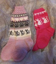 Stocking Pattern, Pattern Ideas, Knitting Socks, Mittens, Christmas Stockings, Knit Crochet, Gloves, Tejidos, Stockings