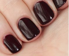 CND Shellac™ delivers 14+ day flawless wear, superior colour and mirror shine with zero dry-time and no nail damage