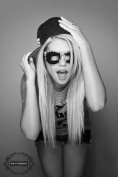 Hi I'm Chanel im 17 im bi and I'm addicted too drinking and anything you can smoke introduce? (Fc Chanel west coast )