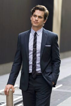 Matt Bomer in a suit and tie combo looking sharp - Onfroi Ames Matt Bomer White Collar, Neal Caffery, Celebrity Gallery, Celebrity Guys, Celebrity Style, Hommes Sexy, Skinny Ties, Suit And Tie, Gorgeous Men