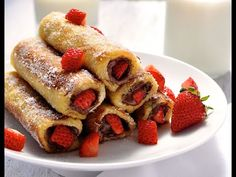 decadent Nutella recipes for breakfas Strawberry Nutella French Toast Roll Ups. Will someone make this for us today?Strawberry Nutella French Toast Roll Ups. Will someone make this for us today? French Toast Roll Ups, Nutella French Toast, Healthy French Toast, Breakfast And Brunch, Breakfast Recipes, Dessert Recipes, Breakfast Ideas, Nutella Breakfast, Breakfast Pancakes