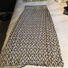 Max Studio maxi skirt Black, tan, and cream maxi skirt, super comfy! Max Studio Skirts Maxi