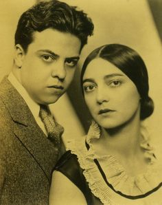 Rosa was married to another great Mexican artist, Miguel Covarrubias. (Both were friends of Frida & Diego) Photo by Nickolas Muray Vintage Photography, Love Photography, Old Photos, Vintage Photos, Nickolas Muray, Divas, Sandra Cisneros, Frida And Diego, Mexican Heritage