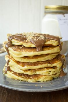 Pancakes basic mix and recipe What's For Breakfast, Breakfast Recipes, Dessert Recipes, Sweets Cake, Morning Food, Greek Recipes, Chocolate Desserts, Food To Make, Food And Drink