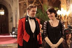 Dan Stevens as Matthew Crawley and Michelle Dockery as Lady Mary Crawley in Downton Abbey (2011)...