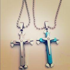 Men & Women's Cross Pendant ( Gray One) 100% New. Chain: 50cm. Jewelry Necklaces