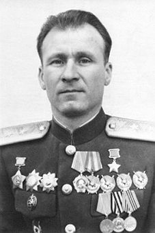 Colonel-General Andreev Andrey Matveevich (1905 - 1983) - Soviet military leader, a participant of the Civil and the Great Patriotic (WWII in Russia) wars, the Hero of the Soviet Union. He commanded the 43rd Rifle Division (1941), the 86th Rifle Division, the 102nd Rifle Division (1942), the 29th Rifle Corps - III formation (1943), the 4th Guards Rifle Corps (1944) and the 125th Rifle Corps (1944-1945, the Berlin Offensive Operation). European Map, Designer Formal Dresses, Female Fighter, Total War, Red Army, World War I, Wwii, February, Military