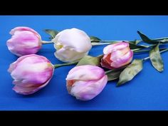 Let's make a tulip of ribbons. You can make red tulips or paint petals with artistic paint instead of markers. Ribbon Rosettes, Diy Ribbon, Ribbon Crafts, Flower Crafts, Tulips Flowers, Diy Flowers, Fabric Flowers, Paper Flowers, Ribbon Projects