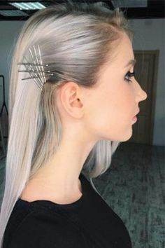 Wedding Hairstyles For Long Hair Creative Exposed Bobby Pin Hairstyles Ideas - Today, we are going to focus on creative exposed bobby pin hairstyles, but will also help you understand how to use bobby pins correctly! Bobby Pin Hairstyles, Headband Hairstyles, Trendy Hairstyles, Braided Hairstyles, Wedding Hairstyles, Long Haircuts, Hairstyles Medium Hair, Hair Do For Medium Hair, Famous Hairstyles