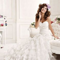 Beauteous White Strapless Sweetheart Multilayer Chiffon Chapel Train Satin Bridal Gown