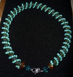 Perlenmagie - gehäkelte Perlenketten - Blog: Peyote-Technik