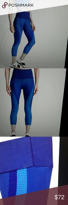 Nike zoned sculpt tight fit  dri-fit NWT Size L  blue, lite blue (eL) Nike Pants Track Pants & Joggers